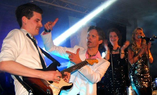 RadioHits er landets beste partyband
